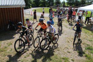 Børnenes cykelløb ved Sommerfesten 2014.